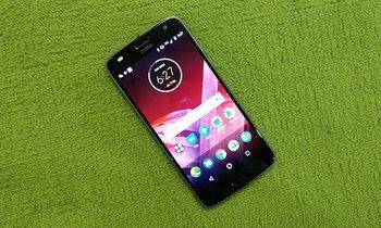 รีวิว Moto Z2 Play มือถือรองท็อปที่เพรียวบางและราคาเอื้อมถึง