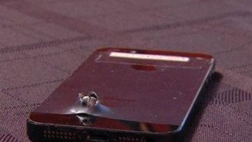 iPhone 5S ช่วยชีวิตทหาร เป็นเกราะรับสะเก็ดระเบิด