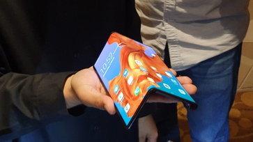 """จับของจริง """"HUAWEI Mate X"""" สมาร์ทโฟน 5G จอพับได้เครื่องจริงในเมืองไทย แพงแค่ไหนก็มีคนรอ!"""