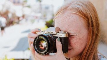 """Fujifilm"" เปิดตัว ""X-T100"" กล้องรุ่นเล็กพร้อม EVF ในราคาเบาๆ"