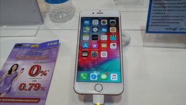 พาชมโปรโมชั่นที่บูธ dtac ก็ดุเมื่อซื้อ iPhone 8 แถม iPhone 6 ทันที