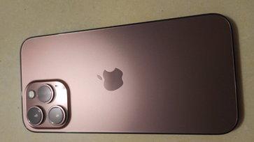 """หลุดภาพเรนเดอร์ """"iPhone 13"""" สีชมพู Rose Gold ก่อนกลับมาเปิดตัวในเดือนกันยายน นี้"""