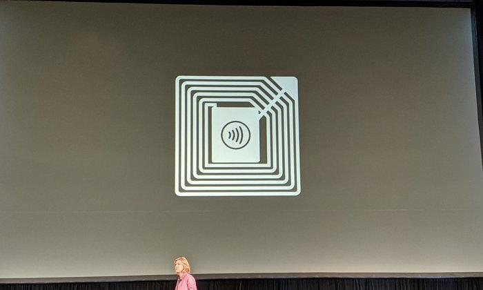 Apple ออกแท็กสติกเกอร์ NFC ใช้จ่าย Apple Pay ง่ายๆ แค่แตะ