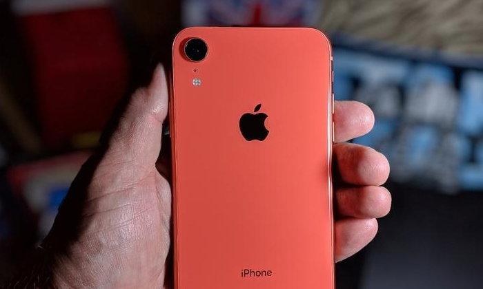 ราคาคือคำตอบ iPhone XR เป็น iPhone เพียงรุ่นเดียวที่สร้างยอดขายได้มากที่สุดเหนือแบรนด์จีน!