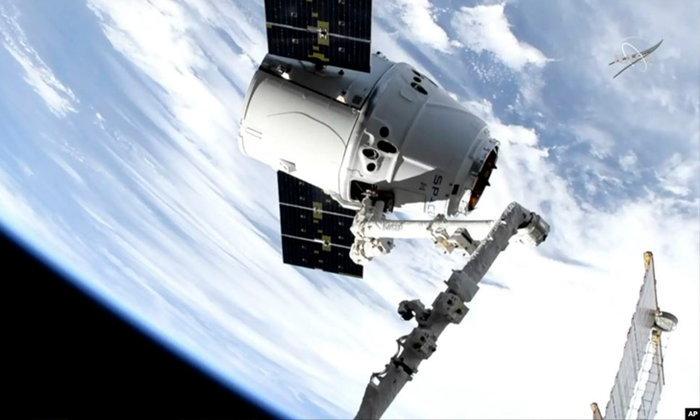 ส่งความหวานถึงนอกโลก สเปซเอ็กซ์ส่งขนมพร้อมอุปกรณ์วิทยาศาสตร์ถึงสถานีอวกาศแล้ว