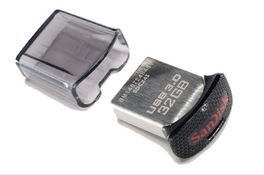 32GB SANDISK ULTRA FIT CZ43 600 01