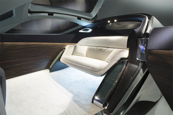 Rolls-Royce-driverless-car2