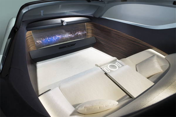 Rolls-Royce-driverless-car