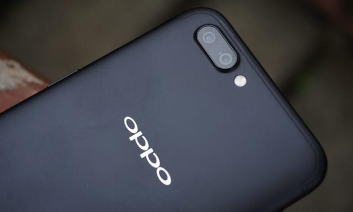 Oppo R15 และ R15 Plus มาพร้อมรอยบากแบบ iPhone X แน่นอน!