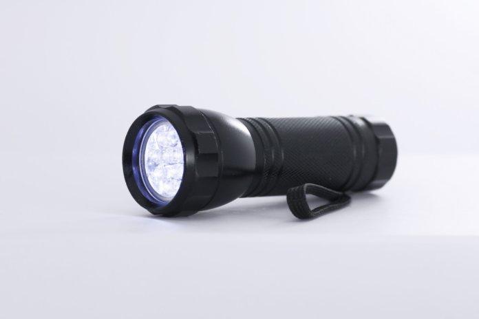 small-black-flashlight-696x46