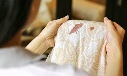 """5 วิธีกำจัดคราบ """"เลือด"""" บนผ้าอย่างไรให้ใสวิ๊งเหมือนเดิม"""