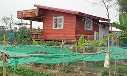 แบบบ้านสวนหลังเล็ก ครึ่งไม้-ครึ่งปูน ยกพื้น สไตล์โมเดิร์นกลิ่นอายคาเฟ่