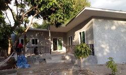 แบบบ้านชั้นเดียวสไตล์โมเดิร์นลอฟท์ ผนังปูนเปลือยแบบตัวแอล งบ 450,000 บาท สร้างที่เชียงใหม่
