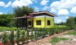 แบบบ้านน็อคดาวน์ชั้นเดียวสีสันสดใสขนาด 4 X 6 เมตร ราคา 300,000 บาท