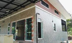 บ้านยกพื้นต่ำสไตล์โมเดิร์นลอฟท์ออกแบบเพื่อการพักผ่อน เหมาะทำเป็นรีสอร์ทปล่อยเช่า สร้างด้วยงบประมาณ 1.5 ล้านบาท