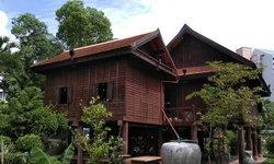 """แชร์ประสบการณ์ออกแบบ """"เรือนพ่อคง"""" บ้านเรือนไทยพร้อมใต้ถุน สะท้อนสถาปัตยกรรมท้องถิ่น"""