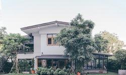 Poet House Cafe ย้อนวันวานแห่งย่านอารีย์ผ่านบ้านสีขาวสไตล์อบอุ่น