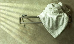 ทั้งแข็ง ทั้งกระด้าง ทริคเด็ดซักผ้าเช็ดตัวเก่า ให้กลับมานุ่ม ฟู น่าใช้