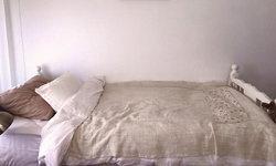 """รีโนเวท """"ห้องนอนเก่า"""" ให้กลายเป็น """"ห้องนอนใหม่สไตล์เรียบง่าย"""" ในบรรยากาศเรียบหรูชวนพักผ่อน"""