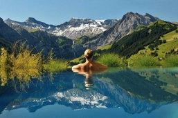 ไอเดียสระว่ายน้ำจากทั่วโลกตกแต่งเข้ากับธรรมชาติ ที่คุณไม่ควรพลาด!