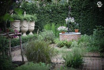 สวนบ้านคุณแม่ชมพู่ อารยา เฮ อาร์เก็ต