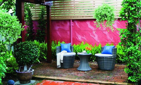 แต่งสวนให้สวยเด้ง ด้วยผนังฉาบลวดลาย (Texture Design) ลายลิ้วหิน