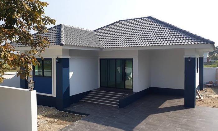 บ้านชั้นเดียวสไตล์คอนเทมโพรารี โทนสีน้ำเงิน ขนาดกะทัดรัด 2 ห้องนอน 2 ห้องน้ำ พื้นที่ใช้สอย 93 ตร.ม.