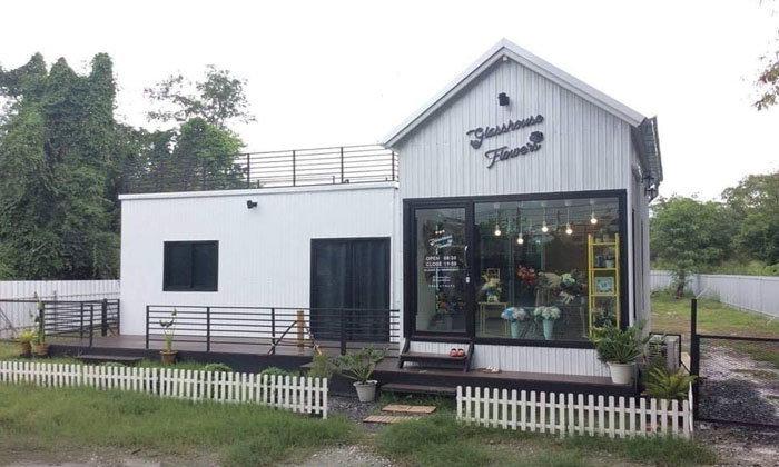 แบบบ้านน็อคดาวน์ทรงหน้าจั่ว เหมาะสำหรับธุรกิจร้านกาแฟและรีสอร์ท พื้นที่ใช้สอย 54 ตร.ม. ราคา 550,000 บาท
