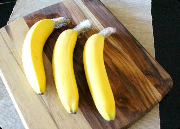 """วิธีรักษาความสดของ """"กล้วยหอม"""" ด้วยพลาสติก"""