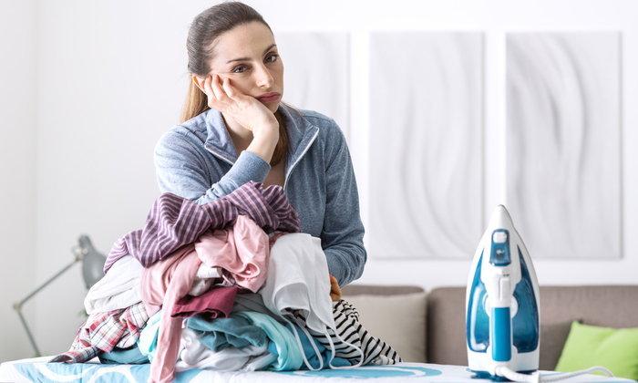 เจอแบบนี้แม่บ้านยิ้มกับ 5 วิธีลดเวลารีดผ้า