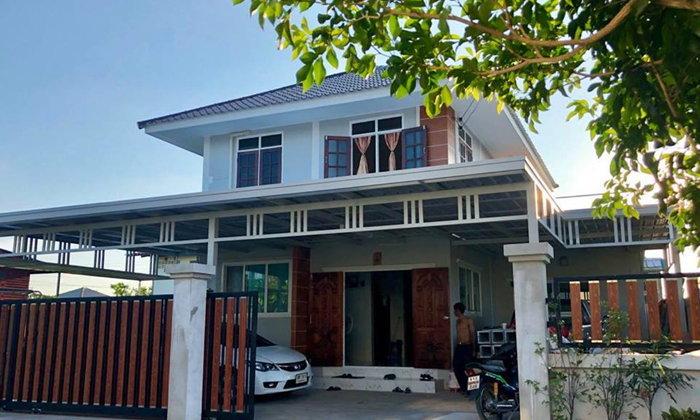 ฝีมือพ่อออกแบบสร้างบ้านเดี่ยว 2 ชั้นด้วยตัวเอง ใช้งบแค่ 9 แสน ออกมาสวยน่าอยู่มาก