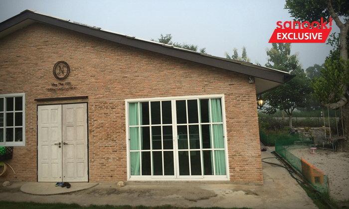 อดีตนักธุรกิจเปลี่ยนซากบ้านเก่าริมอ่างเก็บน้ำ เป็นบ้านสไตล์คันทรี่ลอฟท์เพื่อฝัน