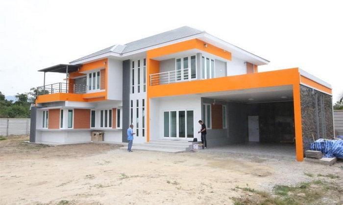 บ้านสองชั้นสไตล์โมเดิร์นทรอปิคอล พร้อมโรงจอดรถ 3 ห้องนอน 4 ห้องน้ำ งบก่อสร้าง 4.5 ล้านบาท