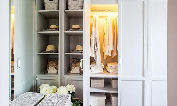จัดโต๊ะเครื่องแป้ง และตู้เสื้อผ้าในห้องนอนให้เป๊ะ น่าหยิบใช้