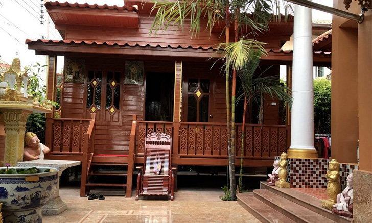 """รีวิว """"บ้านน็อคดาวน์ไม้แดง"""" 1 ห้องนอน 1 ห้องน้ำ ดีไซน์สวยงาม เข้ากับบรรยากาศไทยๆ"""