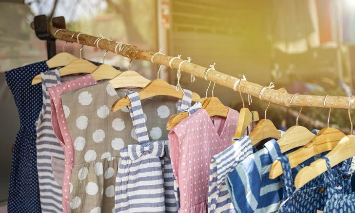 """ข้อเสียของ """"ไม้แขวนเสื้อ"""" ประเภทต่างๆ และเหตุผลที่ควรใส่ใจเลือกไม้แขวนเสื้อ"""