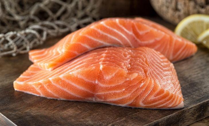 วิธีเลือกเนื้อปลาแซลมอน ให้ได้ประโยชน์เต็มขั้น พร้อมอร่อยฟิน