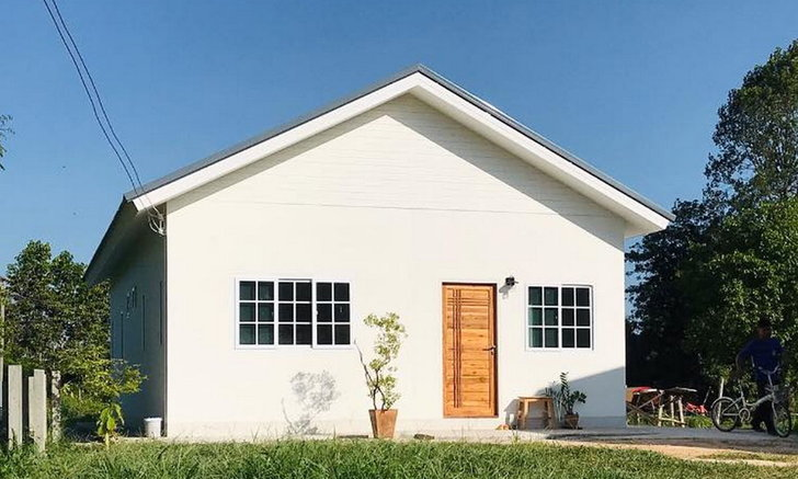 Ngôi nhà một tầng theo phong cách tối giản hiện đại Thiết kế mái đầu hồi, 2 phòng ngủ, 1 phòng vệ sinh, diện tích 77m2.