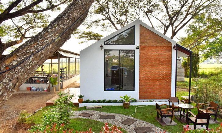 บ้านสไตล์โมเดิร์นลอฟท์หลังเล็ก ภายในโปร่งสบาย สวยดิบด้วยผนังอิฐและปูนเปลือยพื้นที่ 46 ตร.ม.