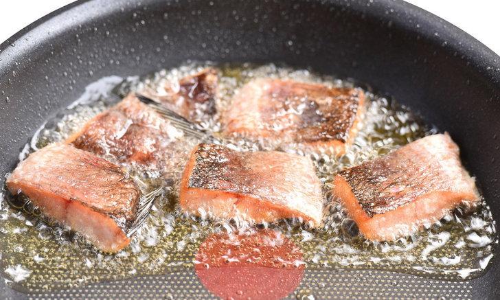 วิธีทอดปลาเค็ม ทอดอย่างไรไม่ให้กลิ่นโฉด จนเพื่อนบ้านโกรธไม่มองหน้า