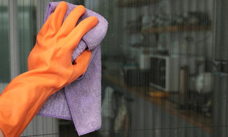 5 วิธีทำความสะอาดมุ้งจีบ (แบบถอดออกไม่ได้)