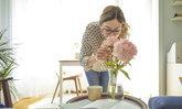 5 ประโยชน์ของการมีดอกไม้สดในบ้านของคุณ