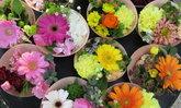 เทคนิคที่ร้านขายดอกไม้ในญี่ปุ่นใช้ เพื่อยืดอายุดอกไม้ในแจกันให้สวยสดชื่นไปนานๆ