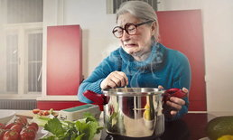 3 วิธีกำจัดกลิ่นน้ำปลาจากการปรุงอาหารในห้องครัวได้อยู่หมัด