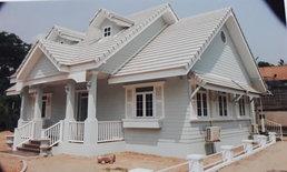 บ้านสไตล์โคโลเนียลโดดเด่นในโทนสีขาว 2 ห้องนอน 2 ห้องน้ำ (ก่อสร้างในจังหวัดขอนแก่น)