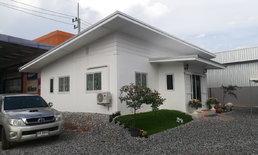 รีวิวสร้างบ้านชั้นเดียวสีขาว หลังเล็กขนาดพอดี สำหรับครอบครัวเริ่มต้น คุมงบราคาประหยัด 3.9 แสน