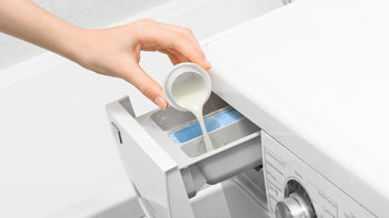 8 ประโยชน์ของน้ำยาซักผ้า ที่ทำให้คุณแม่บ้านคุ้มยิ่งกว่าคุ้ม