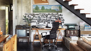 """6 ไอเดีย """"ออกแบบพื้นที่ทำงาน"""" สำหรับฟรีแลนซ์ เปลี่ยนบ้านให้เป็นห้องทำงานที่มีประสิทธิภาพ"""