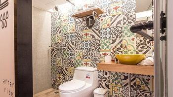 แต่งห้องน้ำด้วยกระเบื้องลายเก๋ จับคู่กับอะไรก็สวย