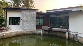 บ้านโมเดิร์นชั้นเดียว 1 ห้องนอน 1 ห้องน้ำ พร้อมเฉลียงพักผ่อนริมสระในบรรยากาศสุดชิล